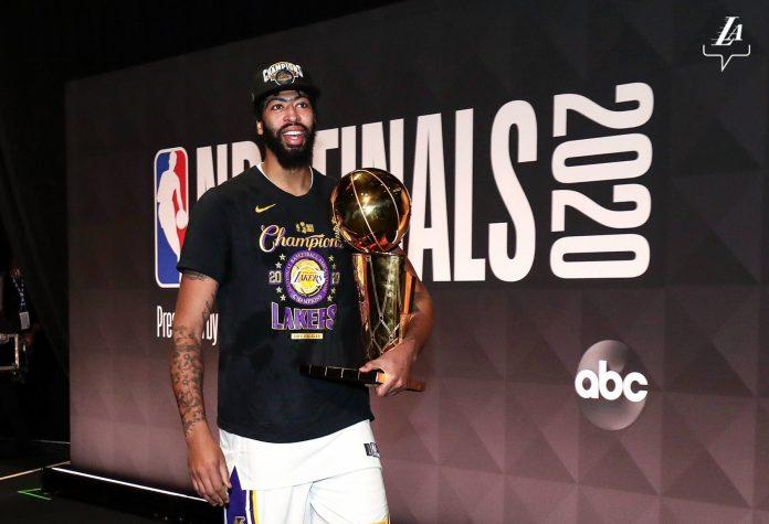 Reprodução twitter @Lakers