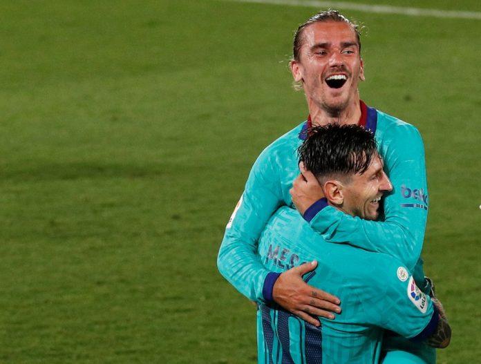 Messi rebatou críticas de ex-agente de Griezmann, companheiro de equipe no Barcelona — Foto: Albert Gea/Reuters