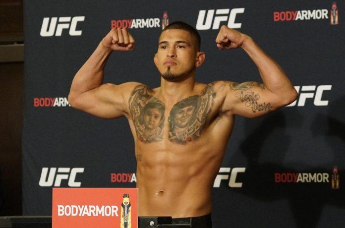 Anthony Pettis na pesagem do UFC 241, em 2019: ex-campeão vai se testar em outras organizações