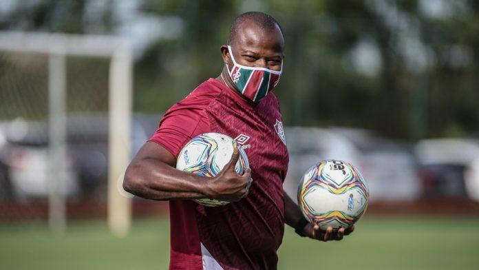 Marcão, técnico do time Sub-23 do Fluminense