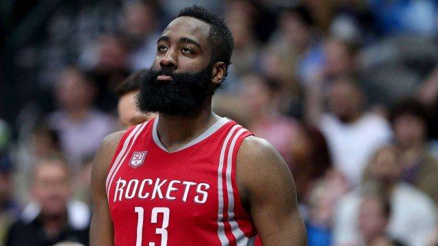 James Harden quer deixar o Houston Rockets, segundo imprensa americana Foto: TOM PENNINGTON / STF