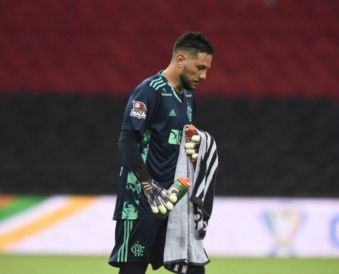Diego Alves está no Flamengo desde 2017 — Foto: André Durão