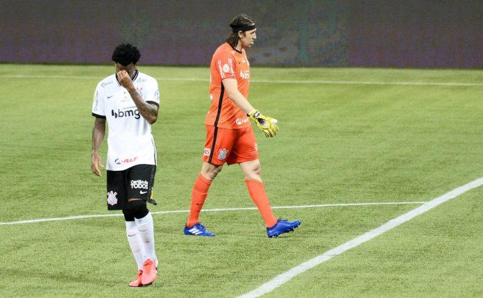 Cássio e Gil lamentam gol sofrido em Palmeiras x Corinthians