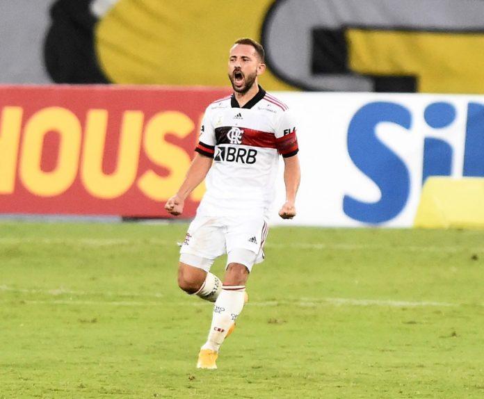 Everton Ribeiro comemora gol em Botafogo x Flamengo