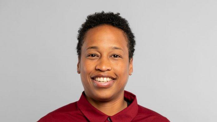Jennifer King estagiou na franquia de Washington no ano de 2020 — Foto: Divulgação/Washington Football Team