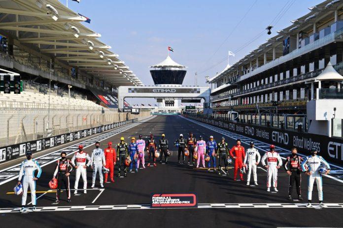 O grid de 2020 da Fórmula 1 reunido em Abu Dhabi — Foto: Clive Mason - Formula 1/Formula 1 via Getty Images