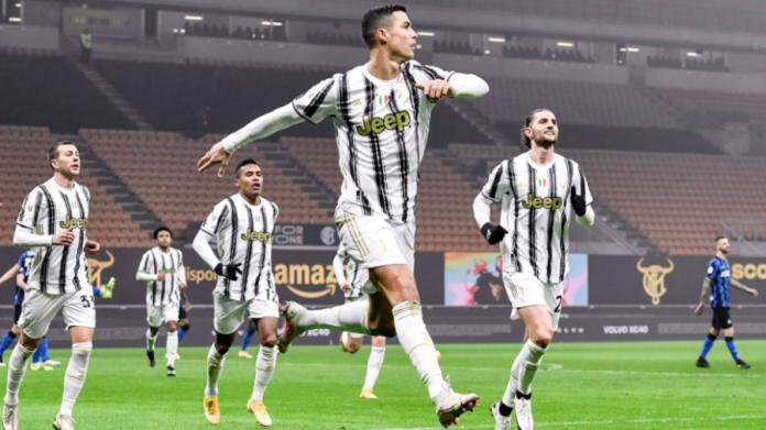Cristiano Ronaldo comemora um gol contra a Internazionale pela semifinal Copa da Itália 2020/21