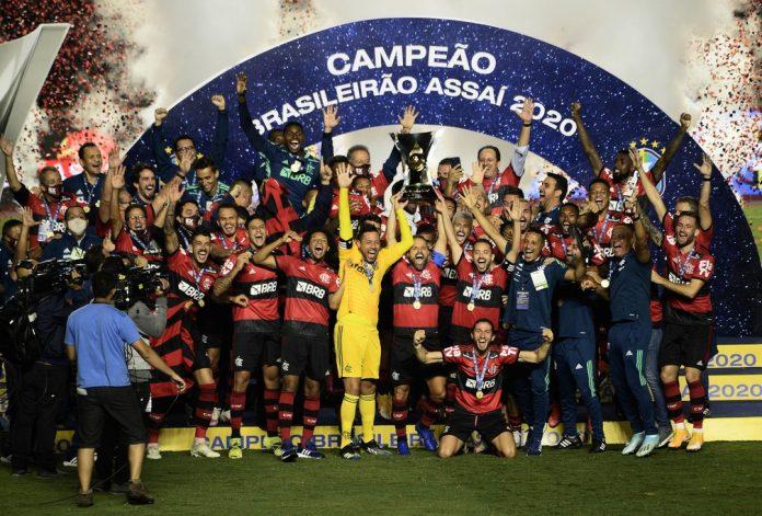 Flamengo comemora vitória no Brasileirão