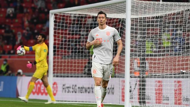 Lewandowski Al Ahly x Bayern Mundial