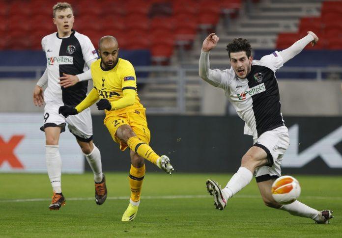 Lucas Moura marcou um golaço na vitória do Tottenham sobre o Wolfsberg, pela Liga Europa — Foto: Getty Images