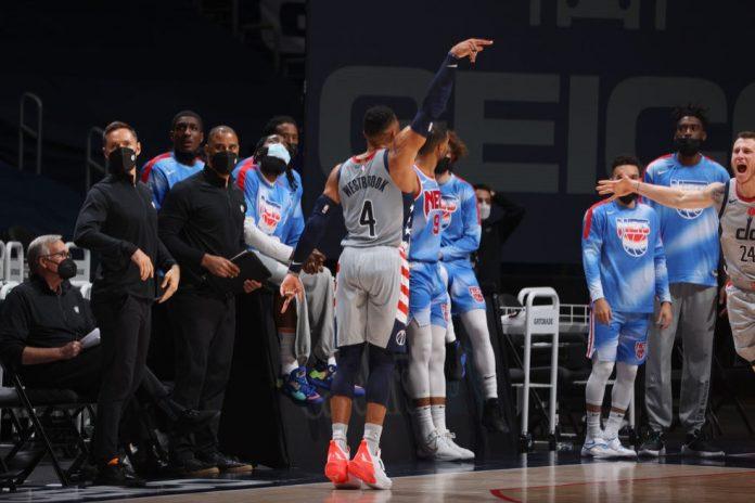 Russell Westbrook se destaca em vitória dos Wizards sobre os Nets — Foto: Ned Dishman/Getty Images