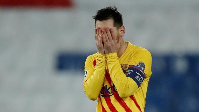 Messi lamenta chance perdida pelo Barcelona na partida contra o PSG na Liga dos Campeões