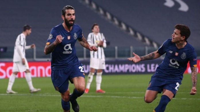 Sérgio Oliveira celebra o gol do Porto sobre a Juventus pela Liga dos Campeões