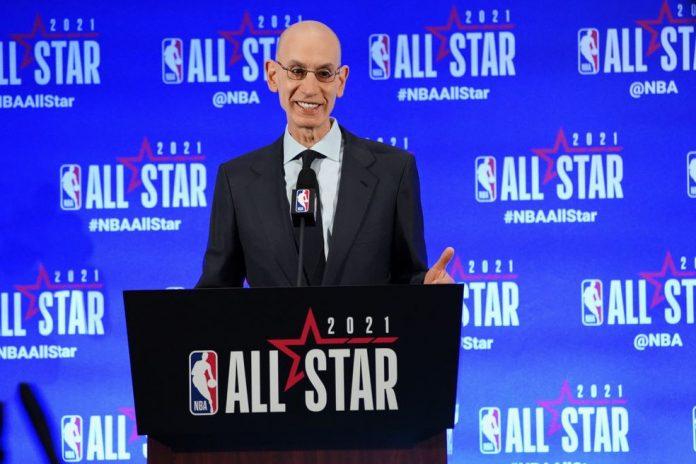 Comissário da NBA, Adam Silver, durante o All-Star Game 2021 — Foto: Jesse D. Garrabrant/NBAE via Getty Images