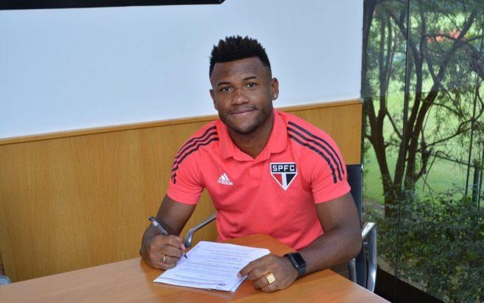Luan renovou contrato com o São Paulo — Foto: Fellipe Lucena / saopaulofc.net