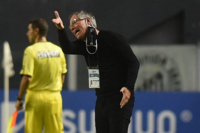 Ariel Holan, técnico do Santos