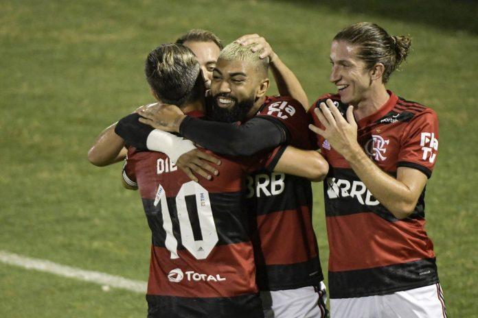 Gabigol comemora em Madureira x Flamengo