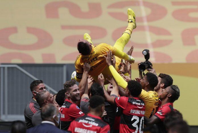 Diego Alves foi o herói da conquista em Brasília