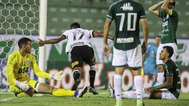 Cauê mergulha para fazer gol da vitória do Corinthians (Foto: Rodrigo Coca/Agência Corinthians)