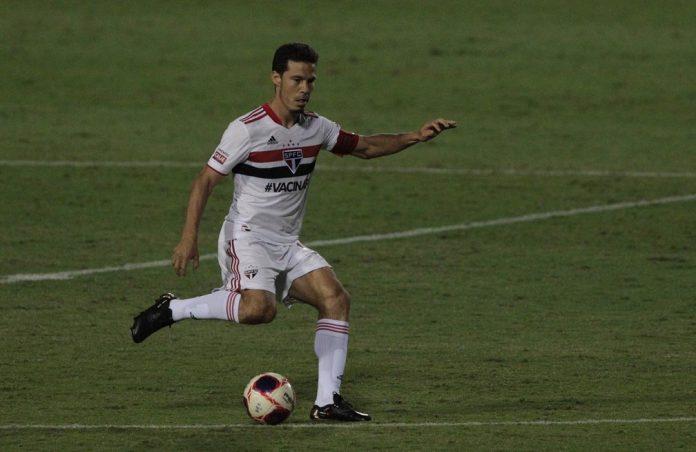 Hernanes, do São Paulo, durante partida contra o Ituano — Foto: Rubens Chiri / saopaulofc