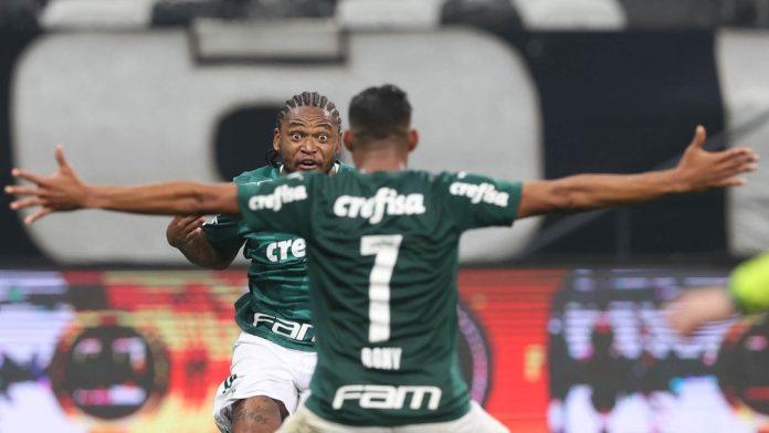 Luiz Adriano e Rony devem ganhar concorrência pesada em breve — Foto: Cesar Greco/Palmeiras