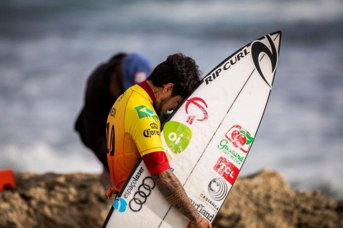 Gabriel Medina segue firme na disputa em Margaret Beach