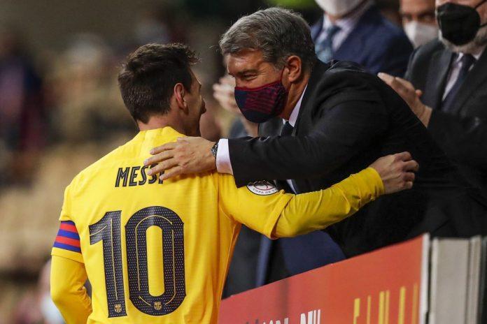 Presidente do Barcelona, Joan Laporta mostra confiança na permanência de Messi — Foto: Getty Images