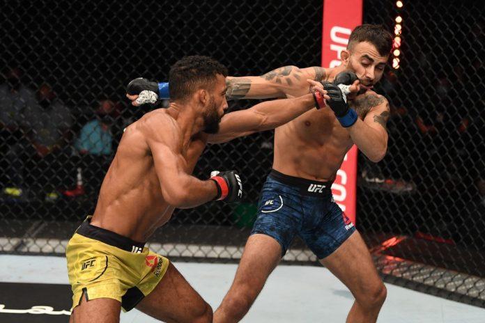 Edson Barboza venceu Makwan Amirkhani por decisão unânime em sua última luta — Foto: Getty Images